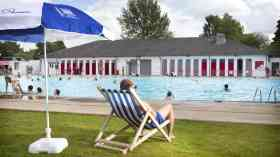 Oxford leisure centres helped to cut carbon