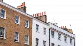 Average UK rents falls