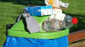 Overflowing waste bins worse in London