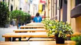 More than 17,000 extra outdoor seats on streets last year