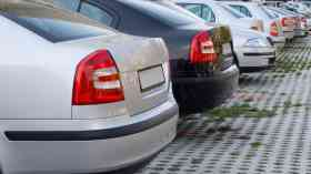 LGA calls for powers to ban pavement parking
