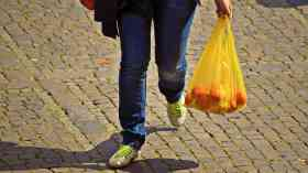 5p plastic bag charge to be extended
