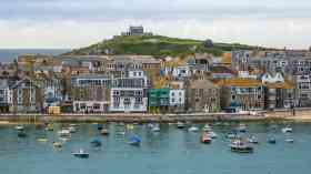 Cornwall backs council's climate emergency plan