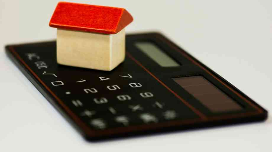 Empty homes tax could generate £1.2bn, suggests research